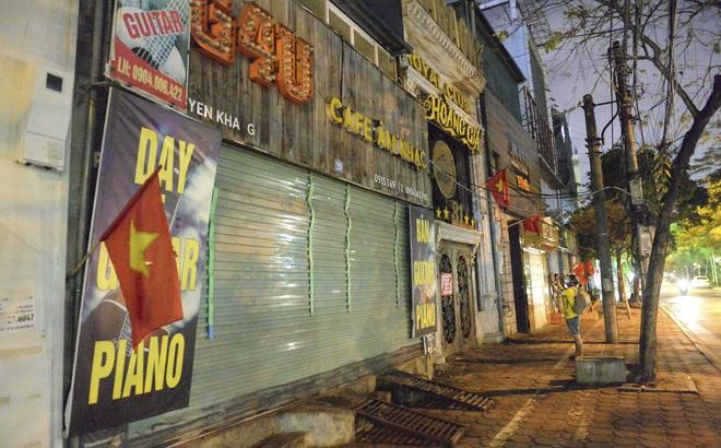 Hình ảnh khác lạ của các phố karaoke nổi tiếng Hà Nội sau chỉ đạo đóng cửa tạm thời