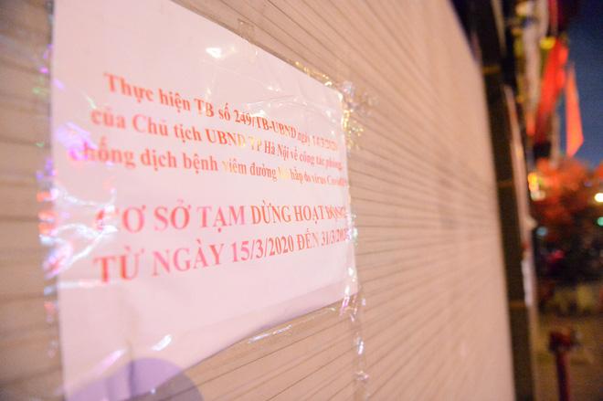 Hình ảnh khác lạ của các phố karaoke nổi tiếng Hà Nội sau chỉ đạo đóng cửa tạm thời - Ảnh 12.