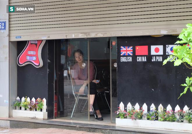 Trung tâm Hà Nội vắng lặng khi hàng loạt quán cà phê, hàng ăn đồng loạt đóng cửa - Ảnh 10.