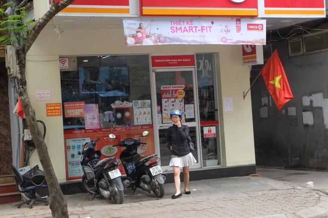 Sau thông tin có người nhiễm Covid-19, nhiều khách hàng vẫn tìm đến Circle K Chùa Láng  - Ảnh 2.