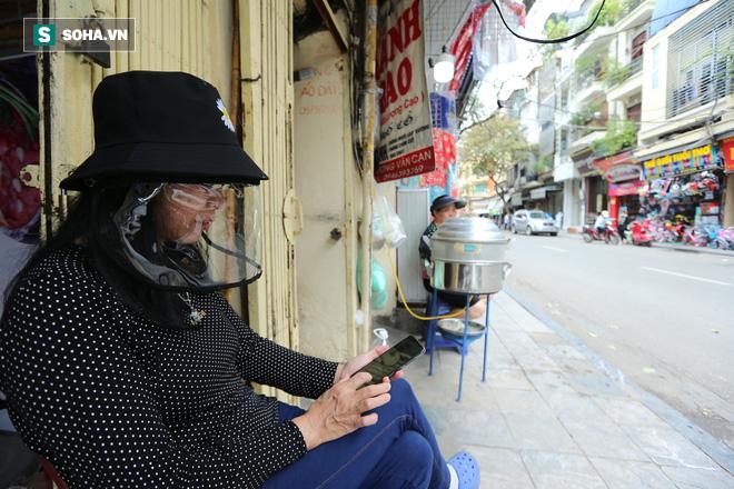 Trung tâm Hà Nội vắng lặng khi hàng loạt quán cà phê, hàng ăn đồng loạt đóng cửa - Ảnh 11.