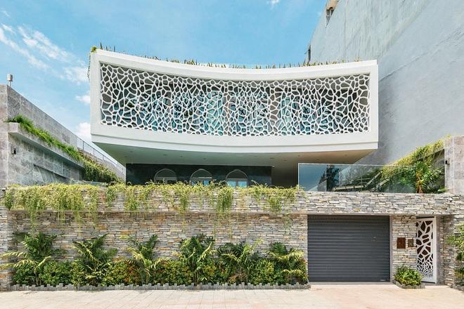 Cận cảnh biệt thự san hô ở Đà Nẵng được giới thiệu trên báo Mỹ - Ảnh 1.