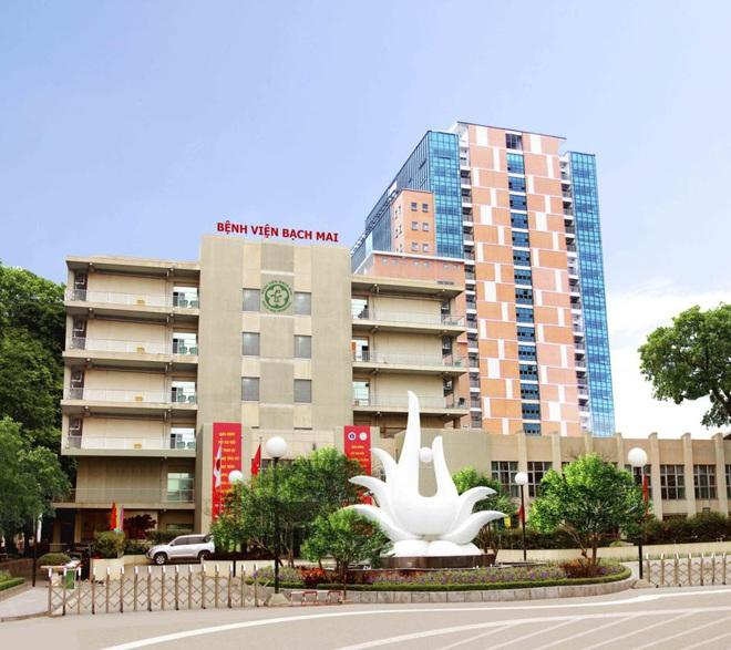 Người dân đến Bệnh viện Bạch Mai trong 2 tuần qua phải tự cách ly, thông báo cho cơ quan y tế phòng Covid-19 - Ảnh 2.