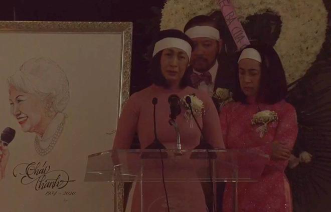 Lễ tang danh ca Thái Thanh: Chỉ có người thân, công chúng chia buồn qua livestream, Ý Lan gục bên quan tài mẹ - Ảnh 1.
