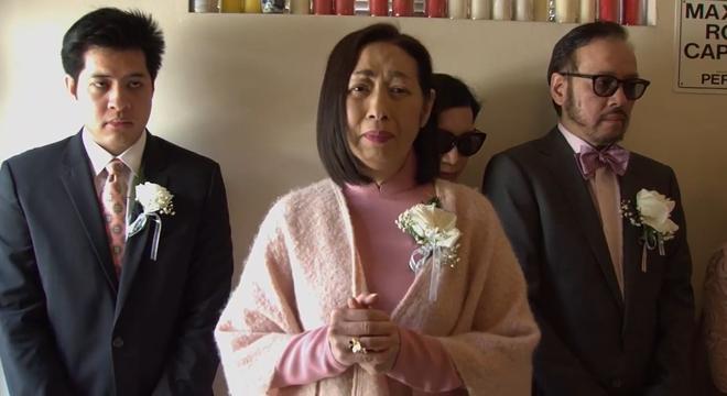 Lễ tang danh ca Thái Thanh: Chỉ có người thân, công chúng chia buồn qua livestream, Ý Lan gục bên quan tài mẹ - Ảnh 9.