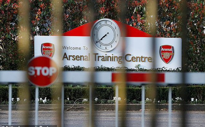 Premier League lại nhận thêm tin dữ vì dịch Covid-19