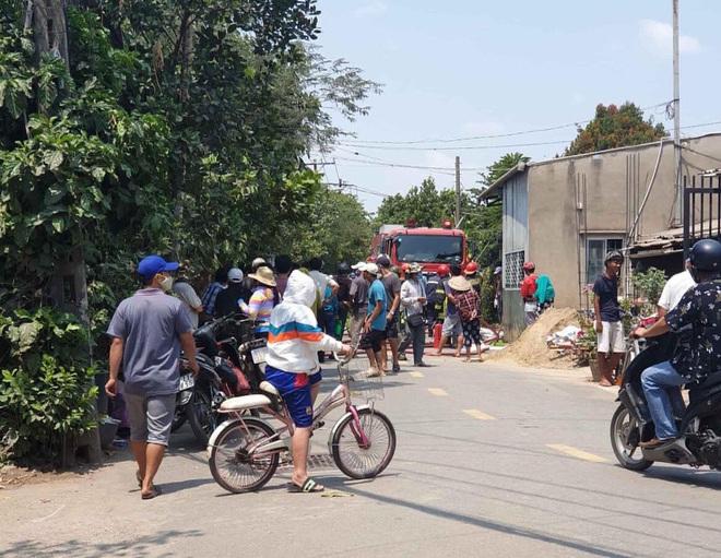 Cảnh sát nổ súng bắt thanh niên nghi ngáo đá cướp tài sản ở Sài Gòn - Ảnh 1.