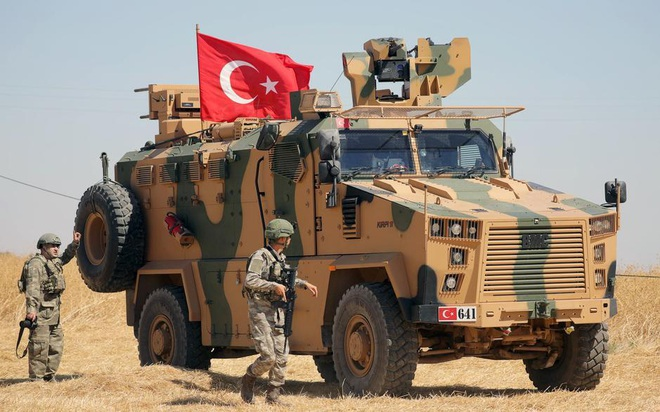 Phiến quân phản chủ đánh vỗ mặt QĐ Thổ Nhĩ Kỳ ở Syria: Liên minh do Mỹ lãnh đạo vỡ trận - Ảnh 2.