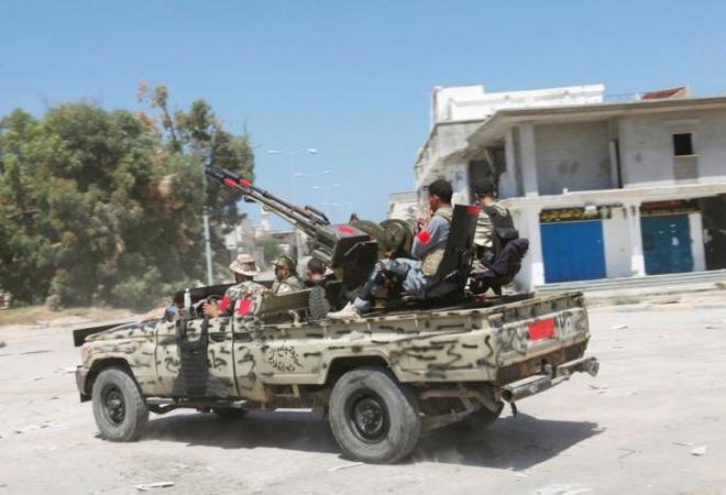 Gà nhà loạn đả, quân Thổ Nhĩ Kỳ hỗn loạn mất kiểm soát - Đại tướng Shoigu vừa đi, QĐ Nga-Syria lập tức đạn lên nòng - Ảnh 2.
