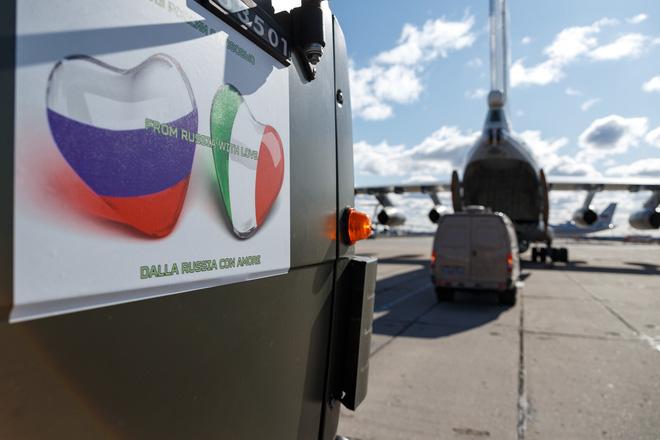 Reuters: Cách Nga giúp Italy chống COVID-19 làm bộc lộ thất bại của EU, dành sự vẻ vang cho TT Putin - Ảnh 2.