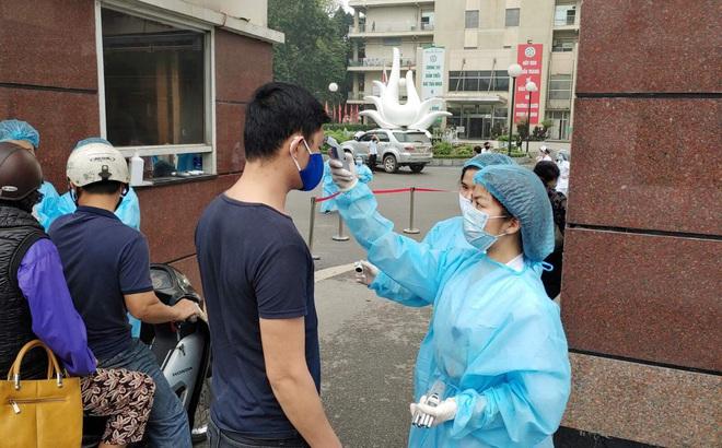 Đề xuất tiến tới dừng nhận bệnh nhân vào Bệnh viện Bạch Mai
