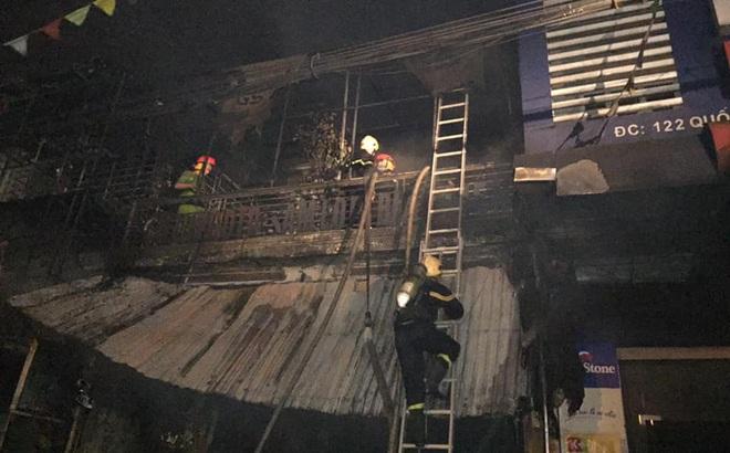 Hiện trường vụ cháy cửa hàng thiết bị ô tô khiến 2 ông cháu tử vong
