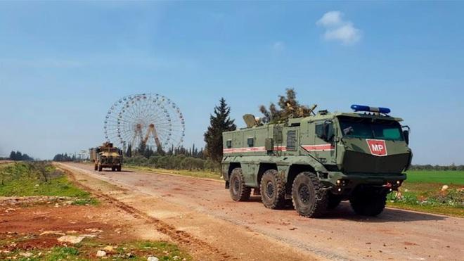 Thế chân vạc ở Idlib tạo cơ hội mới cho phương Tây: Nga sẽ không ngồi yên nhìn NATO lôi kéo Thổ Nhĩ Kỳ trở về? - Ảnh 1.