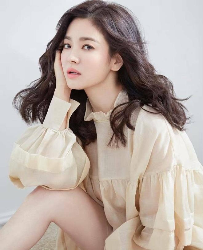 Song Joong Ki đã thua triệt để Song Hye Kyo trong cuộc