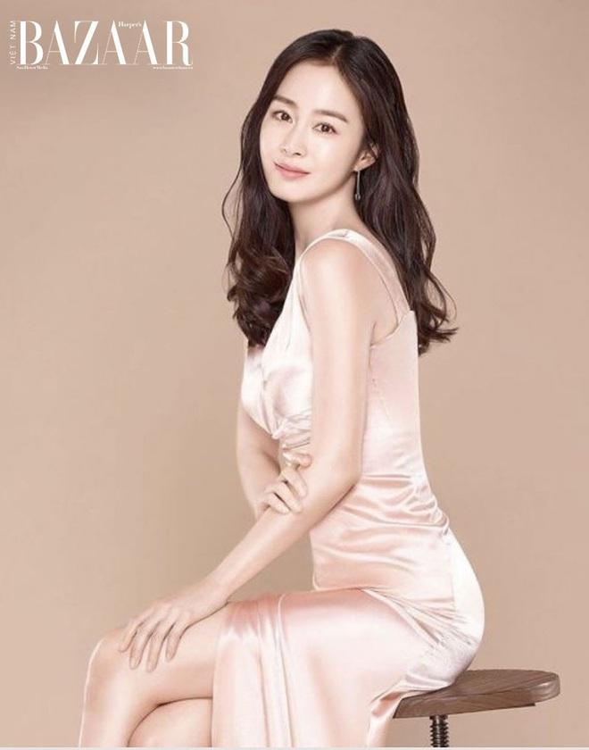 Từng là tam giác cân bất phân thắng bại của Kbiz thế nhưng chỉ sau 1 năm Song Hye Kyo lại lép vế hoàn toàn trước Kim Tae Hee và Jun Ji Hyun ở điểm này - ảnh 6