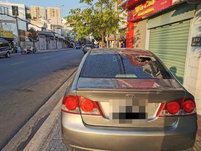Bắt nhóm thanh niên đập phá hơn 20 xe ô tô, xe tải ở Vũng Tàu - Ảnh 2.