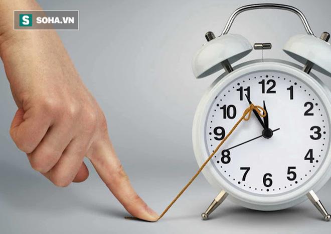 8 khung giờ thải độc cho cơ thể: Ai làm được sẽ giảm bớt nguy cơ bị bệnh ở nội tạng - Ảnh 1.