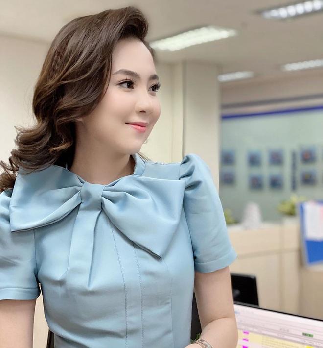 MC Mai Ngọc bị chỉ trích vì biểu cảm tươi cười khi báo tin nhạc sĩ Phong Nhã qua đời trên sóng truyền hình và sự tranh cãi của dân mạng - Ảnh 4.