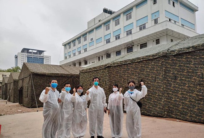 Bạch Mai lập bệnh viện dã chiến ngay trong khuôn viên, GĐ bệnh viện: Tình trạng bên trong hiện nay vẫn tốt - Ảnh 3.