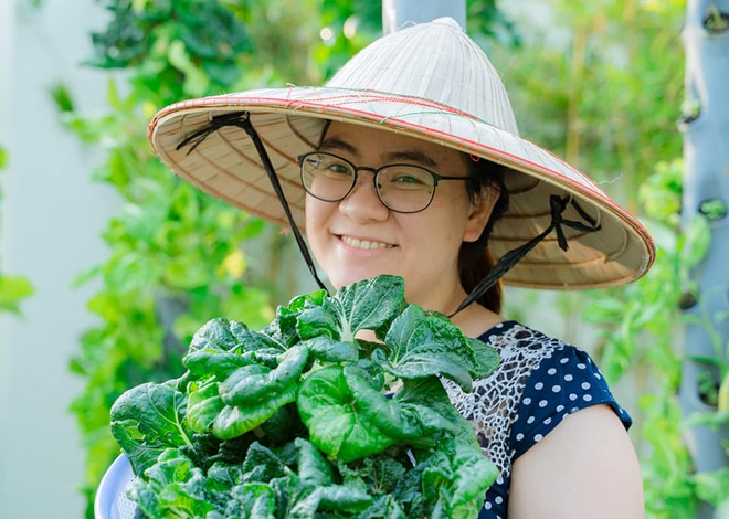 Ở nhà tránh dịch mới vài ngày, hội chị em đã bắt đầu đua nhau khoe vườn rau tại nhà, quả trĩu cành - ảnh 28