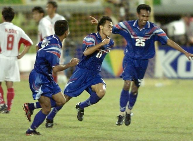Kỷ lục khó xô đổ của bóng đá Việt Nam và nỗi đau day dứt bởi độc chiêu từ người Thái - Ảnh 4.