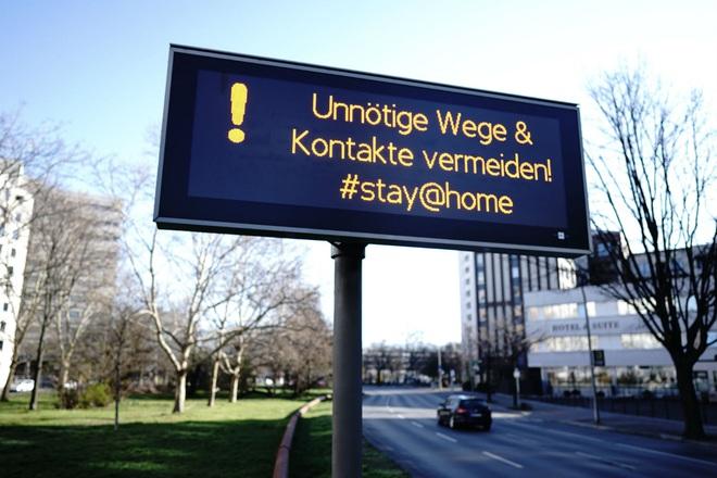 Đức dập dịch trước rồi lo ngân sách sau: Bơm tiền ào ạt giải cứu từ doanh nghiệp đến người lao động - Ảnh 1.