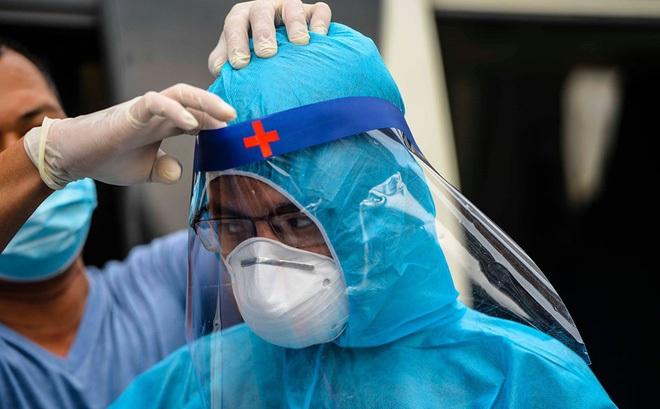 Nguyên Cục trưởng Cục Y tế dự phòng: 4 bí quyết làm nên các kỳ tích chống dịch của Việt Nam