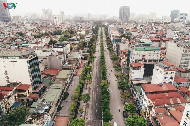 Ngắm nhìn đường phố Hà Nội từ trên cao trước ngày cách ly xã hội - Ảnh 7.