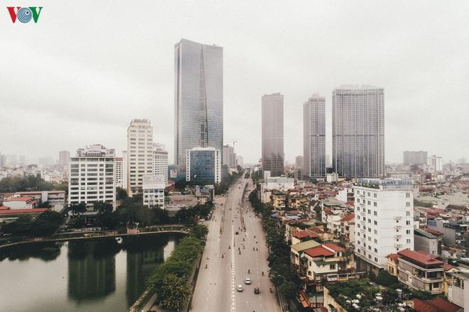 Ngắm nhìn đường phố Hà Nội từ trên cao trước ngày cách ly xã hội - Ảnh 9.
