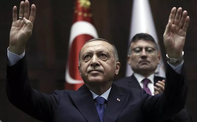 """Chọc giận """"Gấu Nga"""", chơi trò hai mặt với Mỹ: Thổ Nhĩ Kỳ tự chuốc lấy thất bại ở Syria?"""