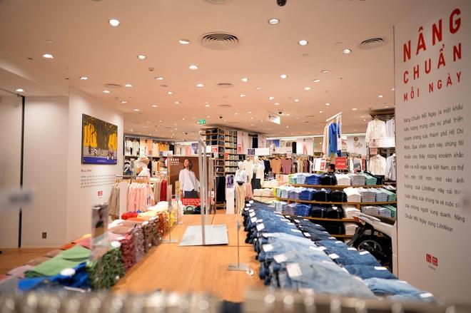 Bên trong cửa hàng Uniqlo đầu tiên ở Hà Nội: Nhiều mẫu sản phẩm mới có giá bình dân - Ảnh 4.
