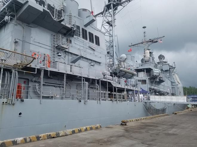 ẢNH: Cận cảnh tàu tuần dương khổng lồ của Hải quân Mỹ vừa cập cảng Đà Nẵng - Ảnh 11.