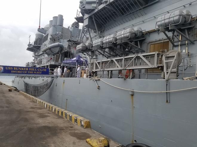 ẢNH: Cận cảnh tàu tuần dương khổng lồ của Hải quân Mỹ vừa cập cảng Đà Nẵng - Ảnh 8.