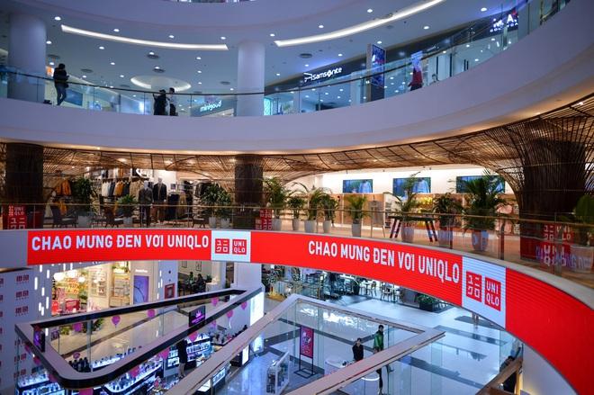 Bên trong cửa hàng Uniqlo đầu tiên ở Hà Nội: Nhiều mẫu sản phẩm mới có giá bình dân - Ảnh 3.