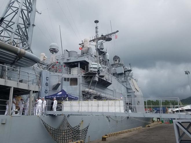 ẢNH: Cận cảnh tàu tuần dương khổng lồ của Hải quân Mỹ vừa cập cảng Đà Nẵng - Ảnh 9.