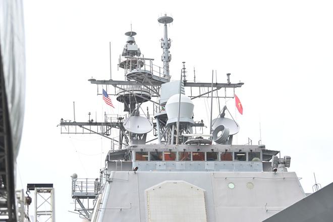 ẢNH: Cận cảnh tàu tuần dương khổng lồ của Hải quân Mỹ vừa cập cảng Đà Nẵng - Ảnh 6.
