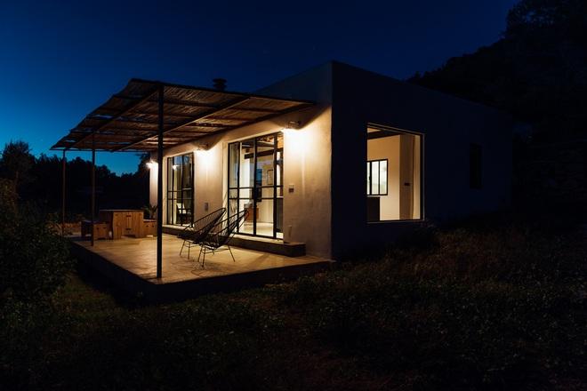 Căn nhà cấp 4 tạo ấn tượng đặc biệt nhờ kết hợp giữa kiến trúc hiện đại với thiên nhiên hoang sơ - Ảnh 5.