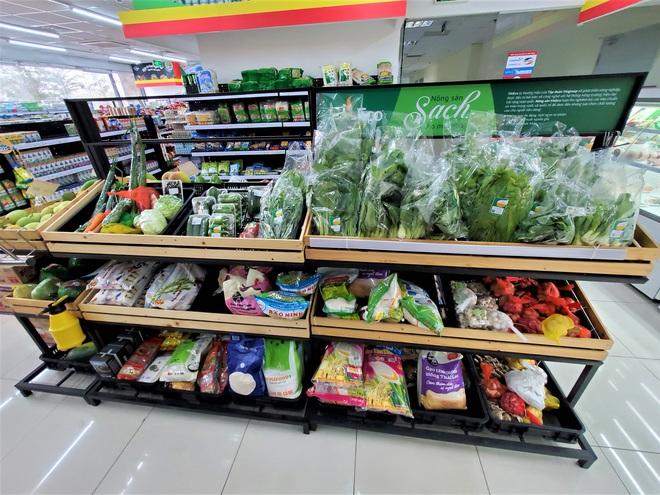 Đổ xô mua hàng tích trữ: Loạt siêu thị cam kết đảm bảo nguồn cung, không tăng giá hàng hoá - Ảnh 1.