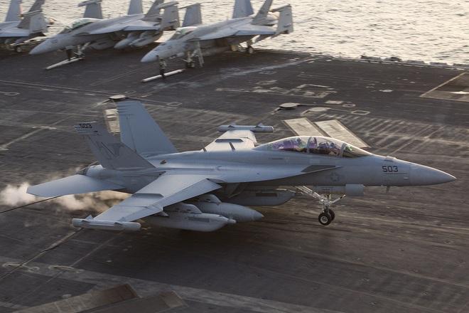 Biên đội tàu sân bay Trung Quốc vừa thiếu, vừa yếu: Đối đầu Hải quân Mỹ sẽ là thảm họa! - Ảnh 2.