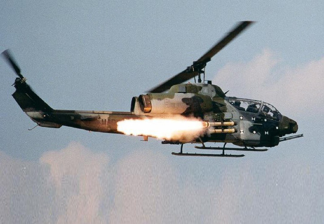 [ẢNH] Thổ Nhĩ Kỳ cho rắn hổ mang AH-1W vào tìm diệt xe tăng T-90 Syria? - Ảnh 12.