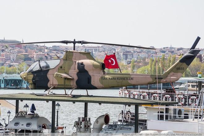 [ẢNH] Thổ Nhĩ Kỳ cho rắn hổ mang AH-1W vào tìm diệt xe tăng T-90 Syria? - Ảnh 5.