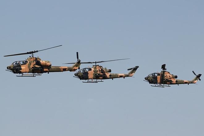 [ẢNH] Thổ Nhĩ Kỳ cho rắn hổ mang AH-1W vào tìm diệt xe tăng T-90 Syria? - Ảnh 10.