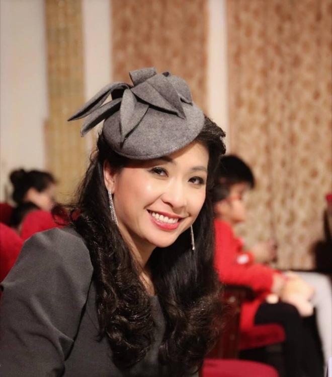 Ca sĩ Thùy Dung Hà Nội mùa thu: Bạn bè bảo ba tôi dở hơi vì đầu tư cho con học piano - Ảnh 6.