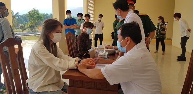 Nhà cung cấp máy xét nghiệm Covid-19 cho Quảng Nam giảm giá từ 7,2 tỉ đồng xuống còn hơn 4,8 tỉ - Ảnh 2.