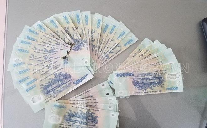 Bắt giữ hai thiếu niên trong đường dây tàng trữ lưu hành mua bán tiền giả