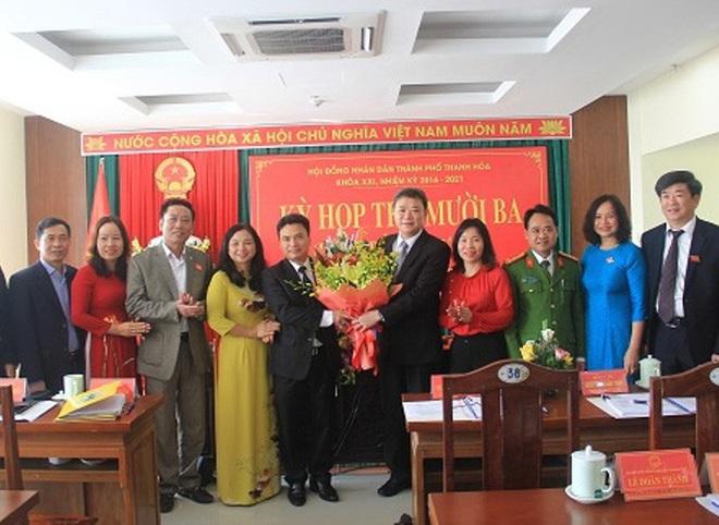 Họp bất thường, TP Thanh Hóa có tân Chủ tịch UBND 48 tuổi - Ảnh 3.