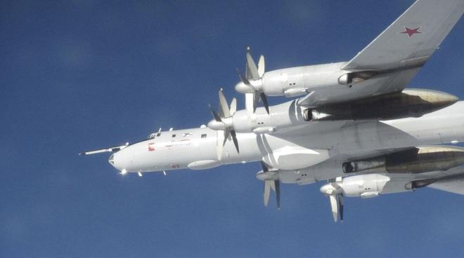 Biên đội máy bay chiến đấu Nga rút lui sau khi bị F-35 áp sát - Ảnh 12.