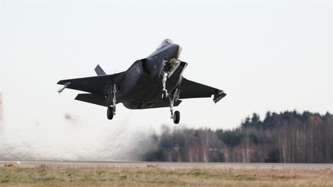 Biên đội máy bay chiến đấu Nga rút lui sau khi bị F-35 áp sát - Ảnh 7.