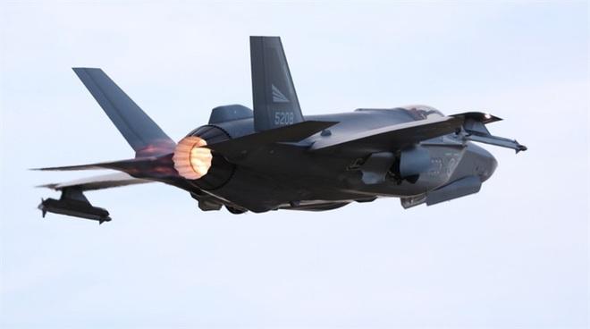 Biên đội máy bay chiến đấu Nga rút lui sau khi bị F-35 áp sát - Ảnh 8.