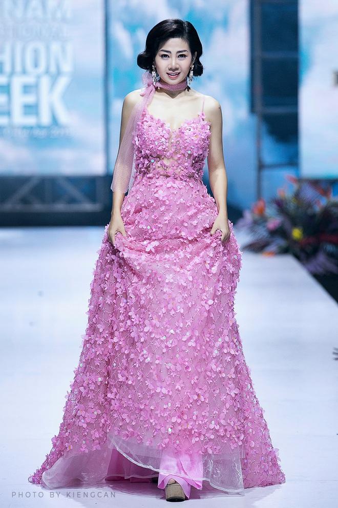 Bán đấu giá chiếc váy Mai Phương từng mặc để quyên góp tiền cho bé Lavie - Ảnh 4.